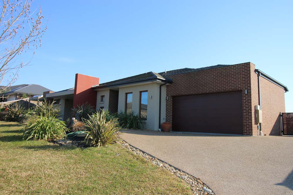 Photo-2-custom-home-vic-home-choice-melbourne-builder-Avenview-Dr-Narre-Nth